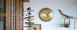 使わなくなったシンバルを使って、キラリと輝く掛け時計をDIY!