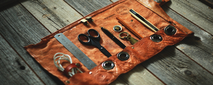 長年使って経年変化した鞄を、味のある道具ケースにリメイク!