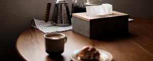 ダイニングテーブルのアクセントに。無垢材を使った木製ティッシュケースをDIY!