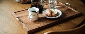 無垢材×真鍮ハンドル。味わいある木製トレーをDIY!