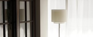 「BRASS FLOOR LIGHT」の企画経緯とコンセプト設計についてお話します。