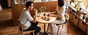 【動画】お家でもカフェのような空間を。1人暮らしから2人暮らしにおすすめなカフェテーブル